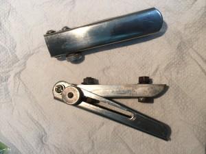 Bisagras de corredera para el capó del motor